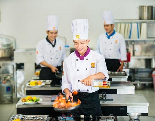Khóa học dạy nấu ăn