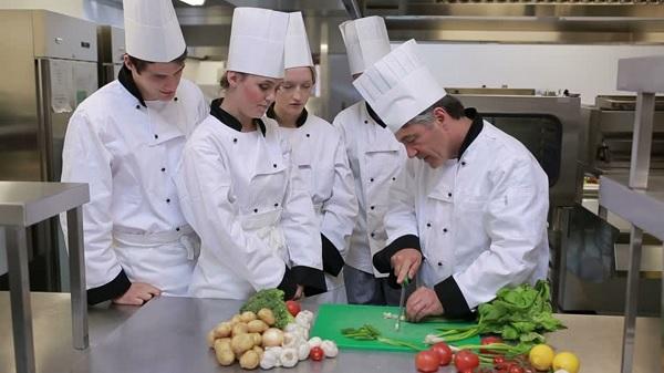 trường dạy nấu ăn tại tphcm
