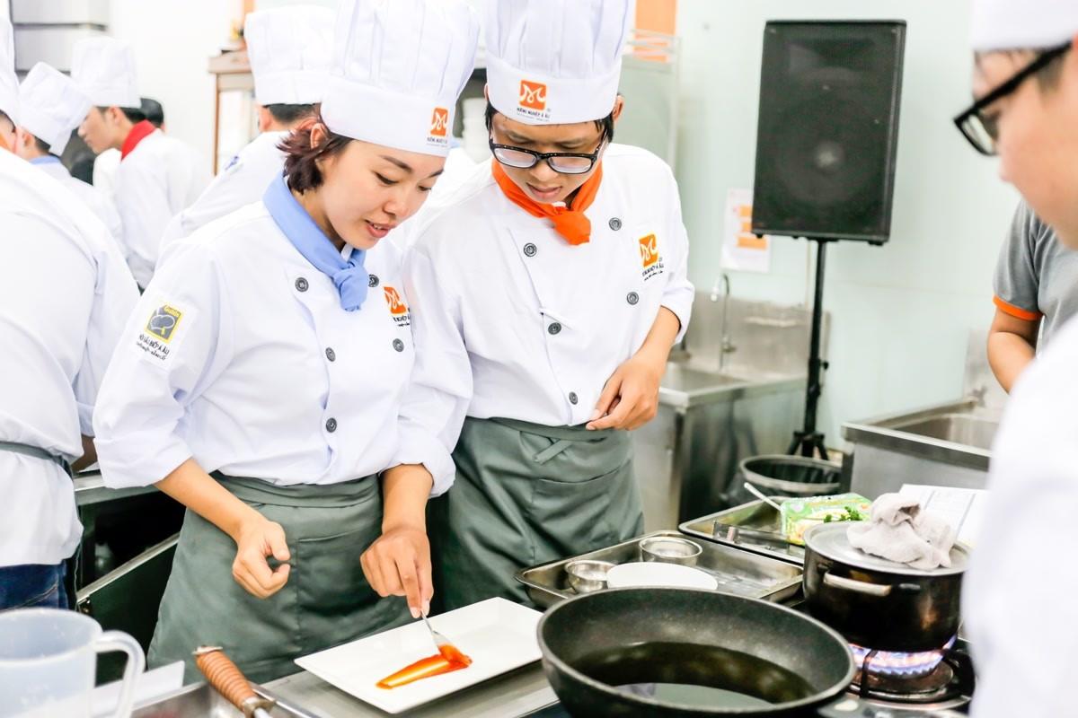 dạy nấu ăn món âu