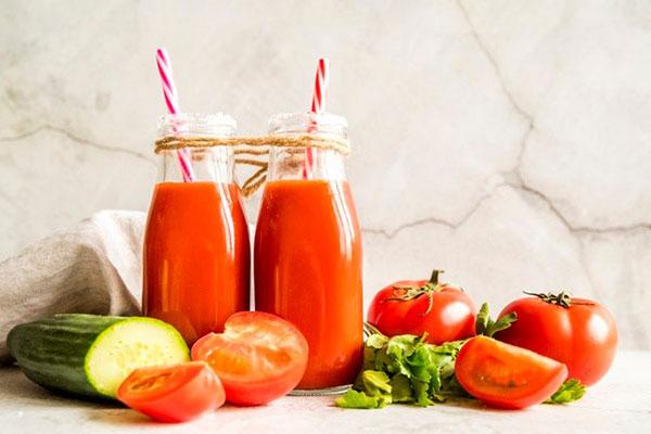 uống nước ép cà chua bao nhiêu là đủ