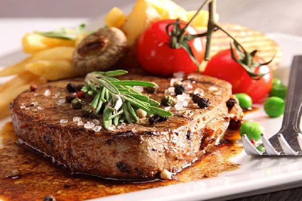 cách nấu thịt bò bít tết bằng chảo chống dính