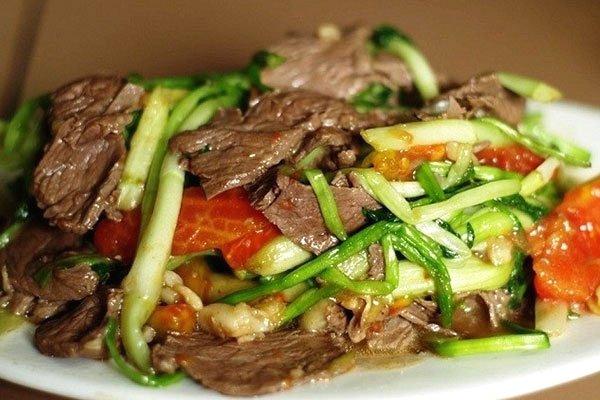 rau cần nước xào thịt bò