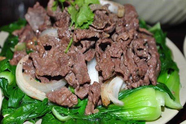 thịt bò xào rau cải chip