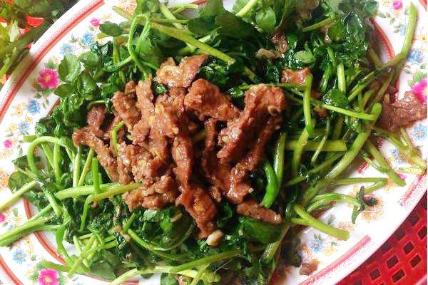 thịt bò xào rau cải xoong