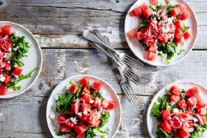 salad dưa hấu rau arugula