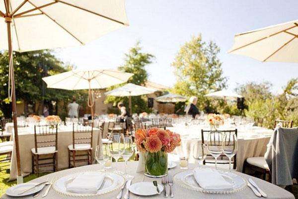 dịch vụ tổ chức tiệc cưới nhà hàng