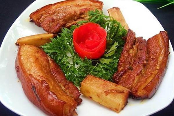 các món chế biến từ thịt lợn kho mật mía