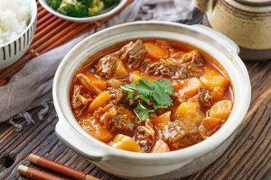cách làm bắp bò hầm khoai tây cà rốt