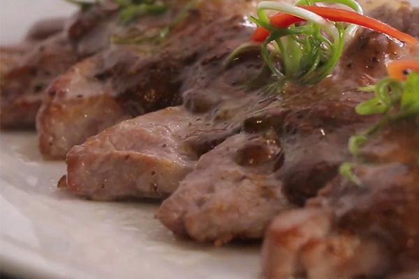 các món ngon đãi tiệc từ thịt heo xốt tiêu đen
