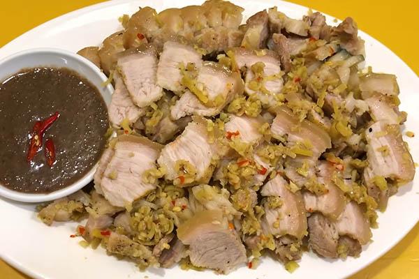 món ăn đơn giản từ thịt lợn hấp giấy bạc
