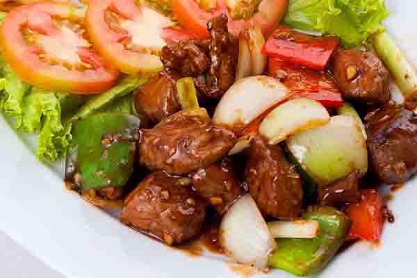 gầu bò làm món gì ngon xào rau củ